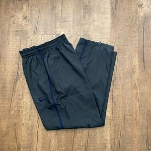 NIKE Men's basketball pants size Large